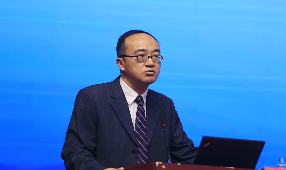 香港艾力彼医院管理研究中心主任庄一强作主题演讲