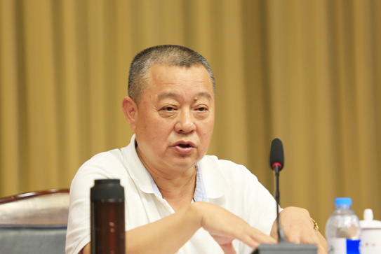 社会科学文献出版社社长谢寿光在第十八次全国皮书年会闭幕式上做总结发言