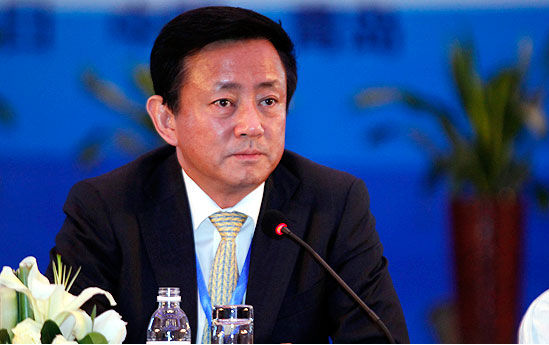 """樊纲:中国经济不会崩溃 但""""软着陆""""大道并不平坦"""