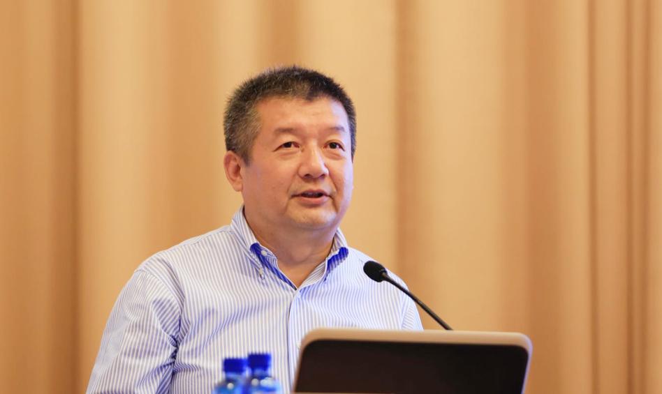 中国人民大学副校长贺耀敏作主题演讲
