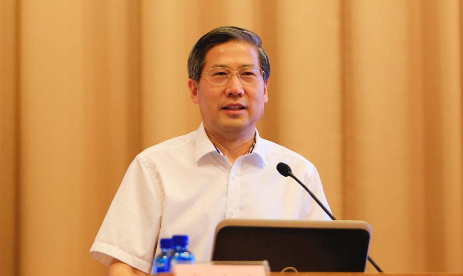 中国社会科学院俄罗斯东欧中亚研究所党委书记李进峰作主题演讲