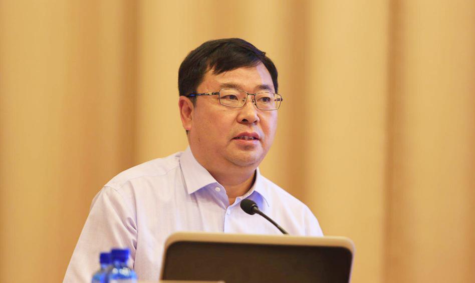 河北省社会科学院院长康振海作主题演讲