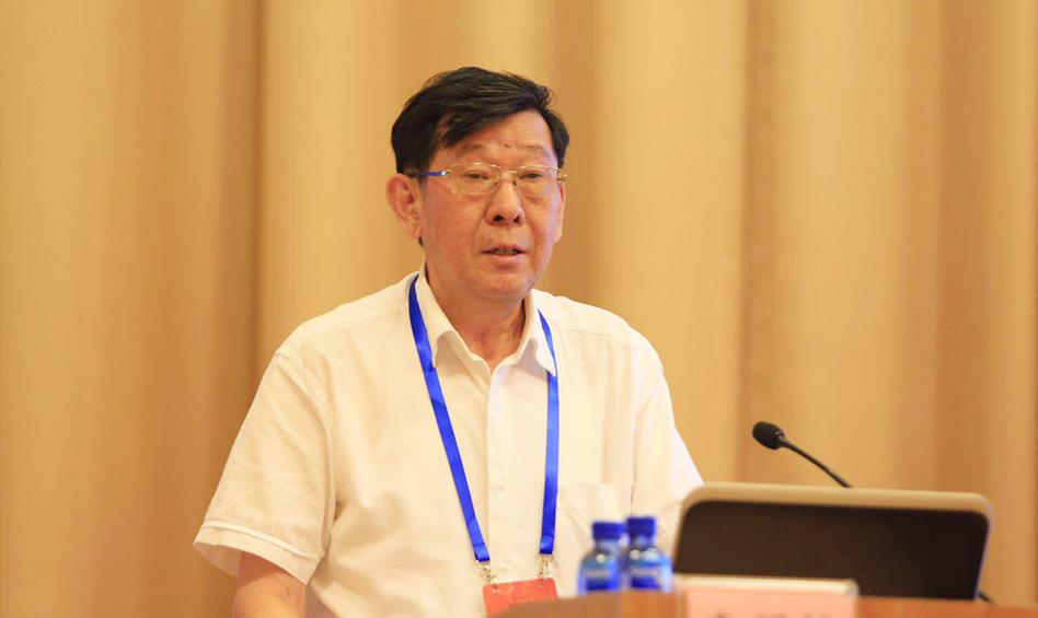 中智科学技术评价研究中心理事长李闽榕作主题演讲