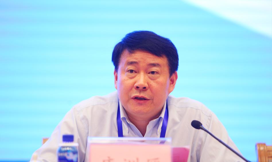 山东省政协副主席、山东社会科学院党委书记唐洲雁致辞