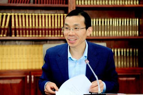 社会科学文献出版社副总编辑蔡继辉发言