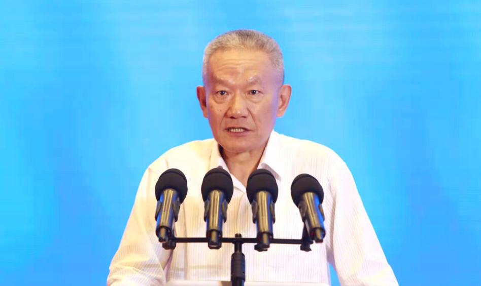 中国出版协会常务副理事长邬书林作主题演讲