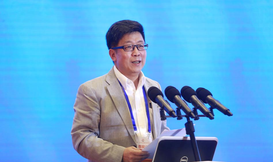 中国社会科学院日本研究所所长杨伯江作主题演讲
