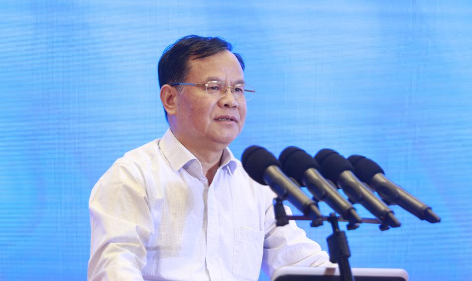 中国(河南)创新发展研究院院长喻新安作主题演讲