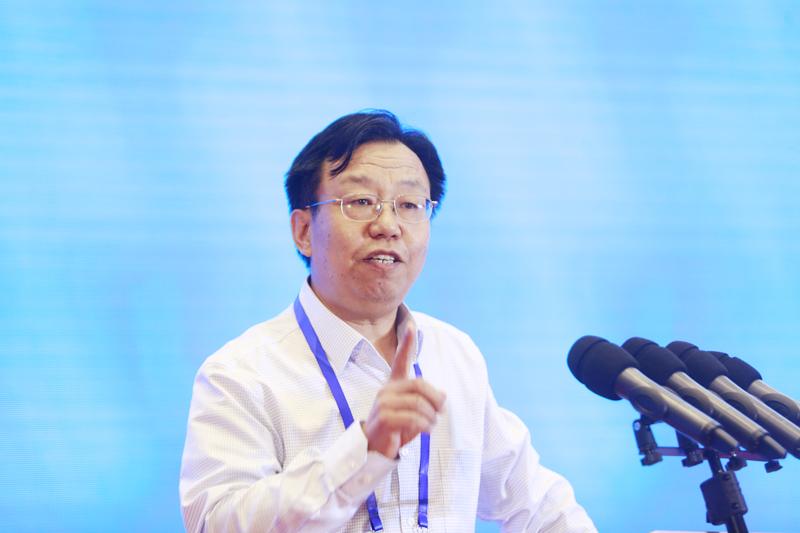 中国社会科学院数量经济与技术经济研究所综合研究室主任李群作主题演讲