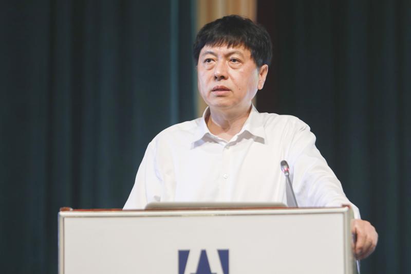 中国科学技术部二级专技,国际欧亚科学院院士、中国科学中心秘书长赵新力作主题演讲