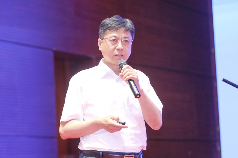 国际欧亚科学院院士、科技部二级专技、中国科学技术交流中心原三级职员赵新力作主题演讲